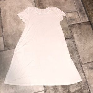 Dresses & Skirts - White dress with pockets